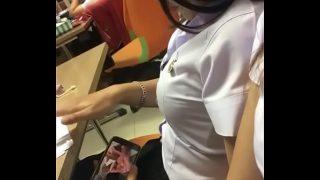 แอบดูคลิปหนังโป๊ในห้องเรียนฟิน นักศึกษามหาลัยดังแถวรัชดา